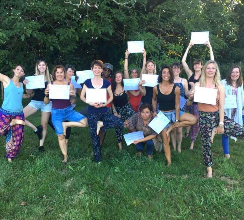Formation professeur de yoga diplômes Shantyoga